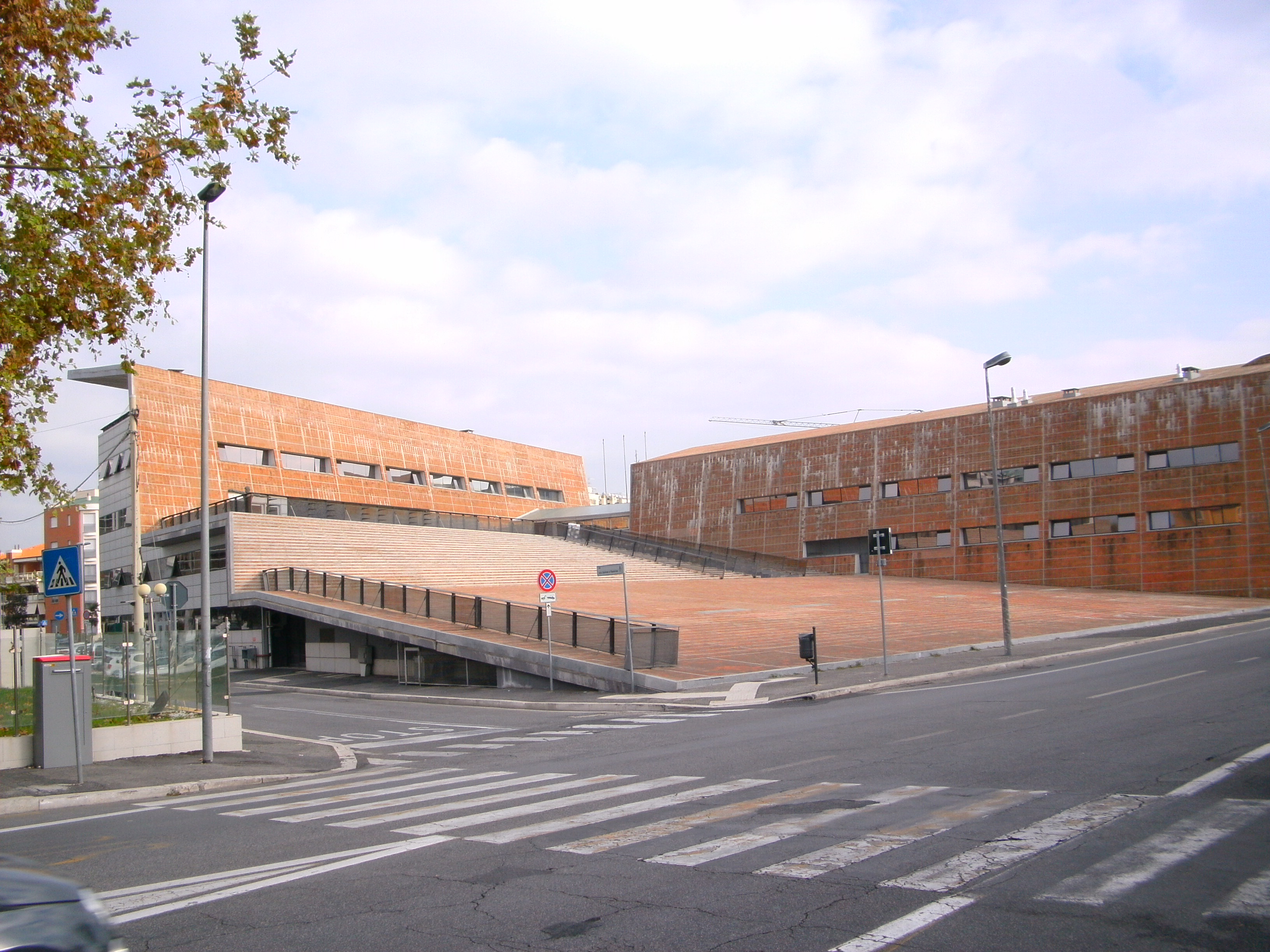 Nuovo municipio del comune di fiumicino archidiap for Arredi interni san giuseppe vesuviano
