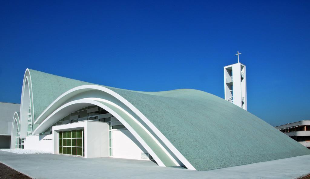 Archidiap complesso parrocchiale san pio da pietrelcina for Architettura contemporanea barcellona