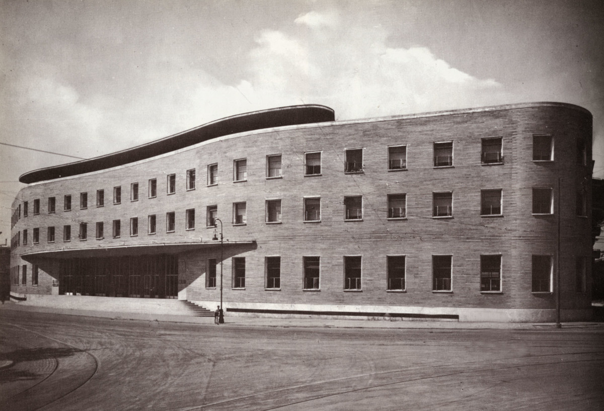 Archidiap ufficio postale in piazza bologna for Architettura razionalista in italia